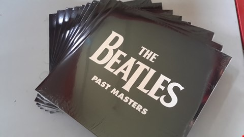 Lot 9071 LOT OF 10 'THE BEATLES - PAST MASTERS' VINYL RECORDS