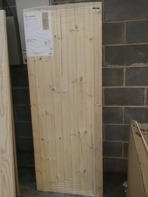 Lot 207 NORDIC SOFTWOOD LEDGED AND BRACED DOOR 1981 X 762  X 40MM