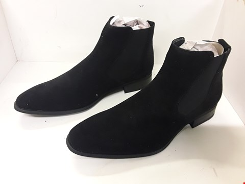 Lot 4062 PAIR OF DESIGNER BLACK SUEDETTE CHELSEA BOOTS SIZE EU 41