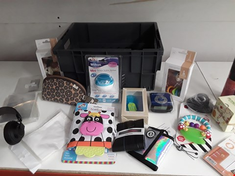 Lot 159 BOX OF APPROXIMATELY 25 ASSORTED ITEMS TO INCLUDE BABY TOYS, HEADPHONES ETC