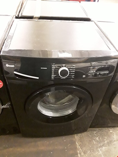 Lot 28 SWAN SW15820B BLACK WASHING MACHINE  RRP £279.99
