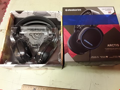Lot 4230 STEELSERIES ARCTIS 5 GAMING HEADSET