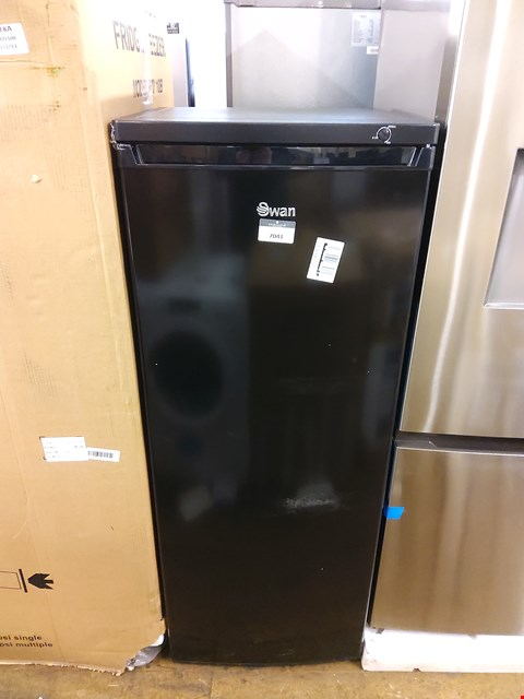 Lot 7041 SWAN SR8150B BLACK TALL FREEZER  RRP £199.99