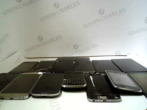 Lot 138 LOT OF APPROXIMATELY 14 ASSORTED MOBILE PHONES TO INCLUDE SAMSUNG, MOTOROLA, HTC ETC