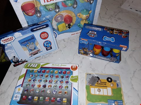 Lot 234 LOT OF APPROXIMATELY 4 ASSORTED TOY ITEMS TO INCLUDE THOMAS THE TANK ENGINE COLOUR BY NUMBERS, PAW PATROL MINI BOWLING SET AND TEA PARTY SET