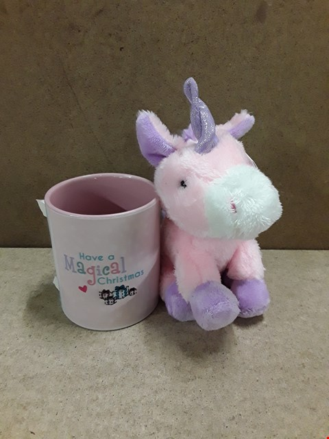 Lot 2172 LOT OF 3 ASSORTED HOME DECOR ITEMS TO INCLUDE 500 COOL WHITE SPARKLE INDOOR/OUTDOOR CHRISTMAS LIGHTS, PERSONALISED MAGICAL UNICORN MUG AND PLUSH GIFT SET AND A SET OF 3 UNICORN TREE DECORATIONS  RRP £91