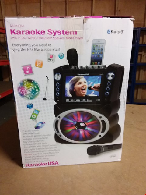 Lot 933 KARAOKE USA GF843 BLUETOOTH ALL IN 1 KARAOKE SYSTEM