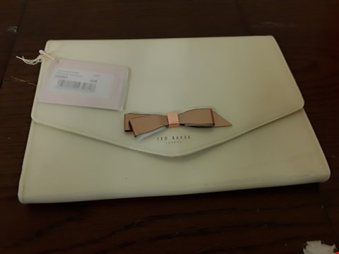 Lot 9060 TED BAKER STYLE IVORY BOW ENVELOPE POUCH