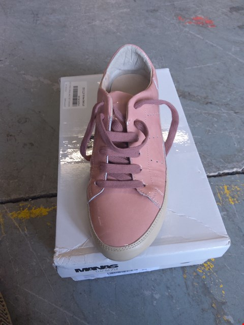 Lot 386 BOXED PAIR OF MANAS SIZE 5 PINK SHOES