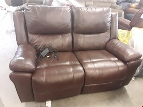 Lot 434 DESIGNER DERBY BROWN LEATHER 2 SEATER POWER RECLINING SOFA  RRP £1500.00