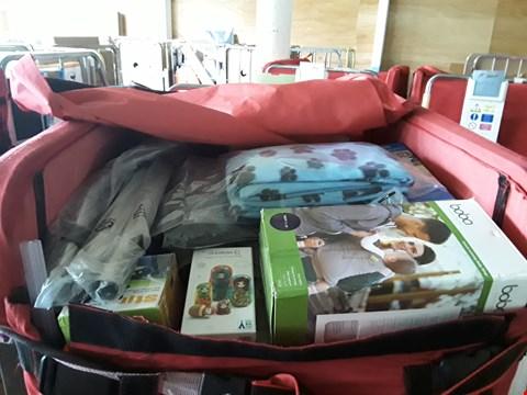 Lot 319 CAGE OF A SIGNIFICANT QUANTITY OF UNPROCESSED HOUSEHOLD ITEMS TO INCLUDE PET BLANKETS, BABY WRAP, RUSSIAN DOLLS ETC
