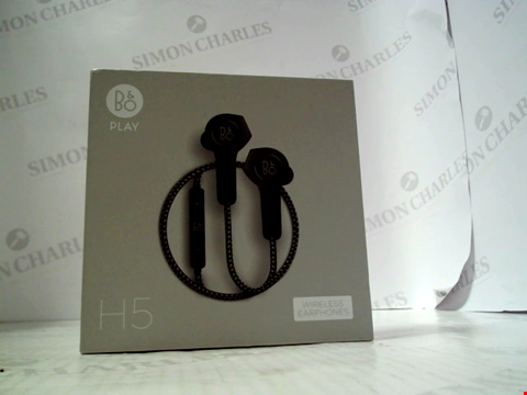 Lot 5694 BANG & OLUFSEN PLAY H5 WIRELESS EARPHONES