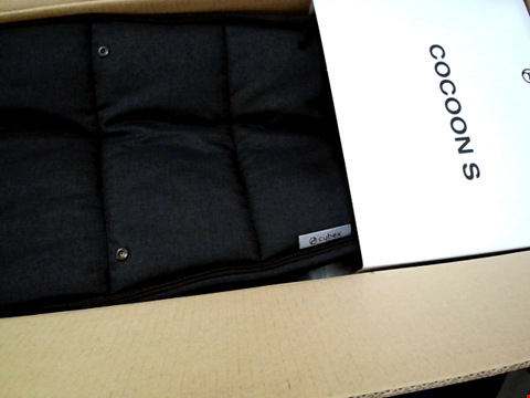 Lot 286 BOXED CYBEX COCOON S NAVY BLUE SOFT CARRY COT