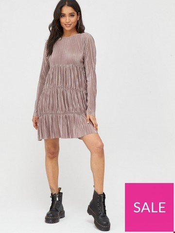 Lot 3632 BRAND NEW BAGGED BOOHOO PLEATED LONG SLEEVE DRESS TAUPE UK SIZE 6