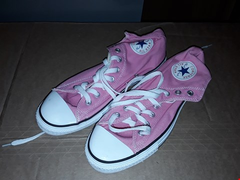 Lot 20 CONVERSE ALL STARS HI TOP PINK/WHITE TRAINERS SIZE 9UK/43 (DOESN'T COME WITH BOX)