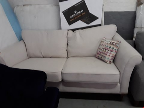 Lot 214 QUALITY BRITISH DESIGNER NATURAL FABRIC 3 SEATER SOFA