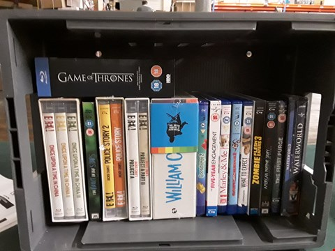 Lot 37 BOX OF APPROXIMATELY 16 ASSORTED BLU-RAYS TO INCLUDE GAME OF THRONES, WATERWORLD, MARLEY & ME ETC