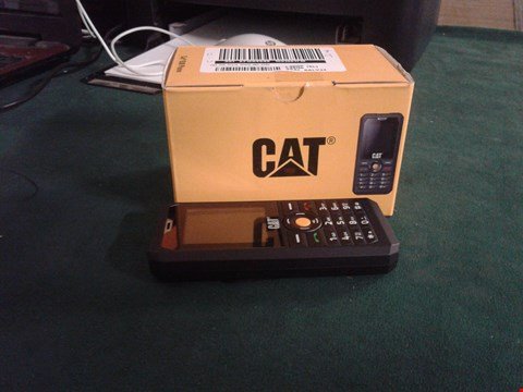 Lot 2130 CAT B30 BLACK MOBILE PHONE RRP £120