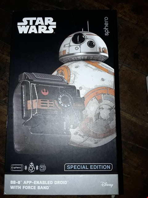 Lot 1985 BOXED STAR WARS BB-8 APP ENABLED DRONE WITH FORCE BAND