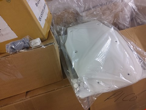 Lot 2011 PALLET OF ASSORTED ITEMS TO INCLUDE: UK BATHLIFT BATHMASTER SONARIS WHITE COVERS, SHERWOOD STOOL SPARE FEET ETC