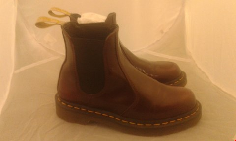 Lot 2089 PAIR OF DR MARTINS AIR WALK BOOTS SIZE UNSPECIFIED
