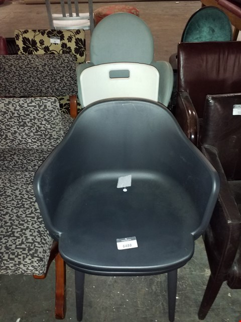 Lot 17536 LOT OF 3 ASSORTED CHAIRS TO INCLUDE PLASTIC TUB CHAIR AND MEDICAL CHAIR