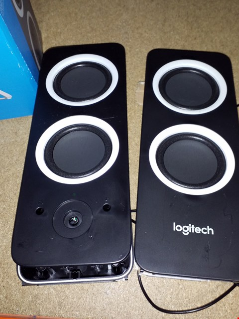Lot 55 LOGITECH Z200 10W STEREO SPEAKERS