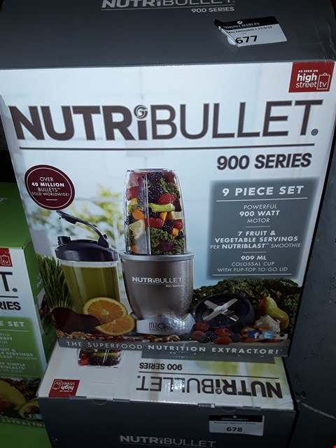 Lot 677 NUTRIBULLET 900 SERIES 9 PIECE SET