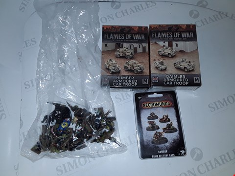 Lot 7193 LOT OF 4 ASSORTED MODEL SETS TO INCLUDE 2X FLAMES OF WAR HUMBER ARMOURED CAR TROOP SETS, NECROMUNDA SET ETC