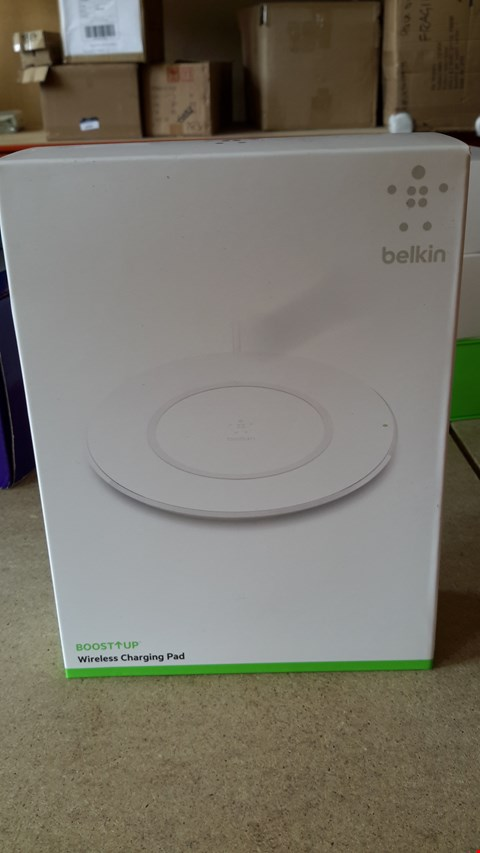 Lot 63 BELKIN BOOST UP WIRELESS CHARGING PAD