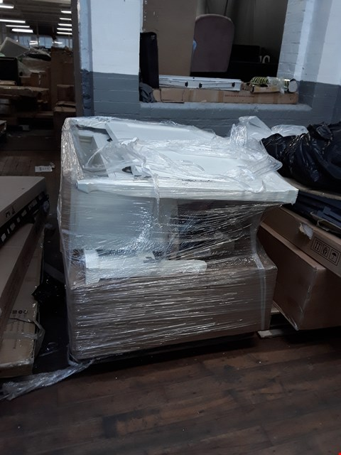 Lot 1001 PALLET OF ASSORTED DESIGNER FURNITURE PARTS TO INCLUDE WHITE PAINTED WOOD FRENCH STYLE HEADBOARD, WHITE PAINTED WOOD/OAK EFFECT TOP 3 DRAWER TV UNIT