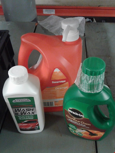 Lot 8177 BOX OF ASSORTED ITEMS TO INCLUDE - GROYOUR OWN - WASH & WAX - SWARFEGA ORANGE