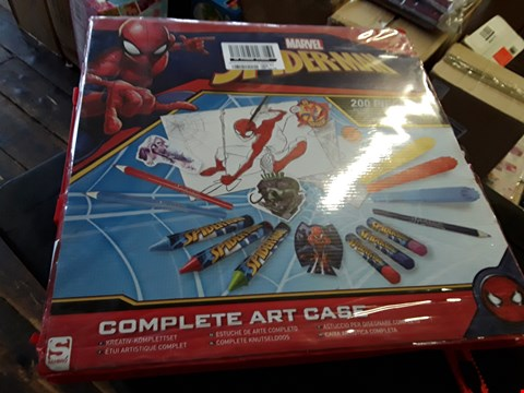 Lot 6263 LOT OF 2 GRADE 1 ITEMS TO INCLUDE MARVEL SPIDERMAN COMPLETE ART CASE AND CRAYOLA MY PAINTING CASE  RRP £52.98