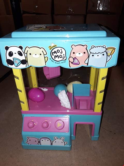 Lot 4682 CLAW MACHINE PLAYSET  RRP £57.00