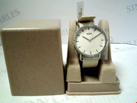 Lot 5459 BRAND NEW HOUSE OF MARLEY DUBWISE FABRIC STRAP QUARTZ WRISTWATCH