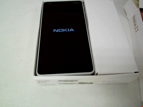 Lot 117 NOKIA 2.1 GREY/SILVER WITH CASE