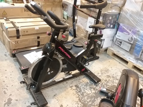 Lot 30 PRO FORM 400 SPX INDOOR TRAINER