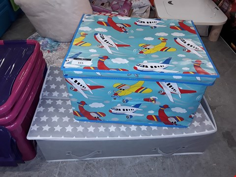Lot 165 LOT OF 2 ITEMS TO INCLUDE PRINTED PLANES STORAGE CHEST AND SILVER STAR STORAGE CHEST