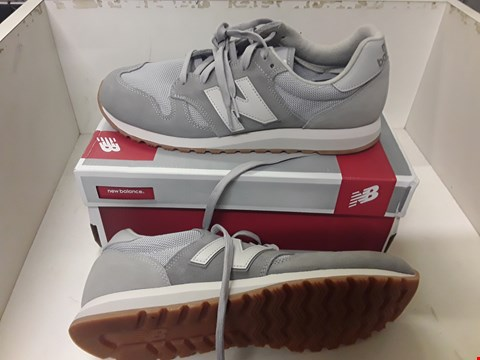 Lot 4049 PAIR OF DESIGNER GREY TRAINERS IN THE STYLE OF NEW BALANCE SIZE UK 9.5