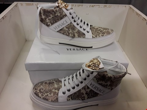 Lot 4028 PAIR OF DESIGNER TRAINERS IN THE STYLE OF VERSACE SIZE EU 42