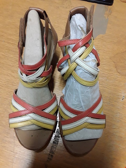 Lot 66 CLARKS WIDE FIT ORANGE/YELLOW WEDGE SANDALS SIZE UK 6