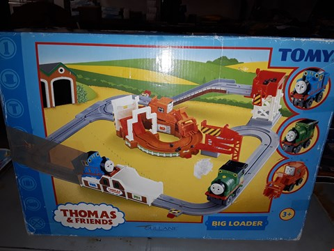 Lot 646 TOMY ) THOMAS AND FRIENDS BIG LOADER