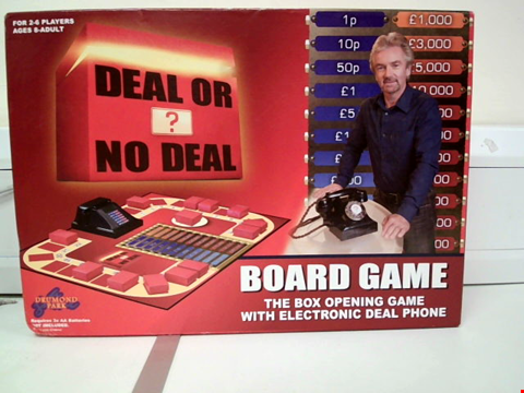 Lot 8018 DEAL OR NO DEAL BOARD GAME