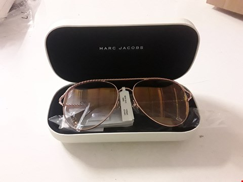 Lot 3044 BRAND NEW MARC JACOBS GOLD TWISTED BROW BAR SUNGLASSES  RRP £220.00
