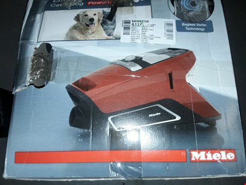 Lot 12722 MIELE BLIZZARD CX1 POWER LINE CAT AND DOG VACUUM CLEANER