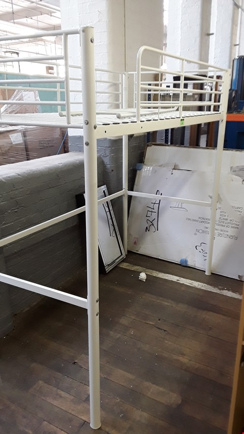 Lot 82 WHITE METAL HI SLEEPER FRAME