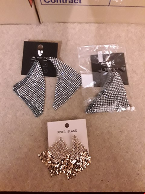 Lot 2265 LOT OF 3 ITEMS TO INCLUDE 2 PAIRS OF RIVER ISLAND SILVER CHAIN MAIL EARRINGS AND A PAIR OF GOLD RIVER ISLAND CHAIN MAIL EARRINGS
