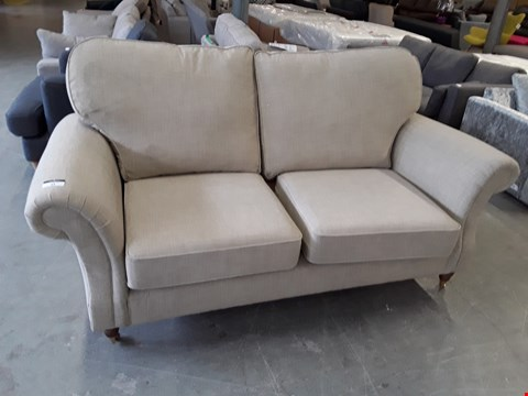 Lot 43 QUALITY BRITISH DESIGNER BEIGE FABRIC SALISBURY 2 SEATER SOFA