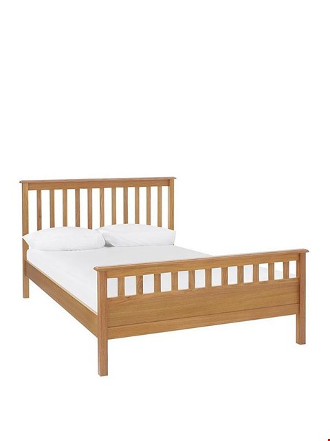 Lot 2084 BOXED DAWSON OAK-EFFECT LFE KING BED FRAME (2 BOXES)