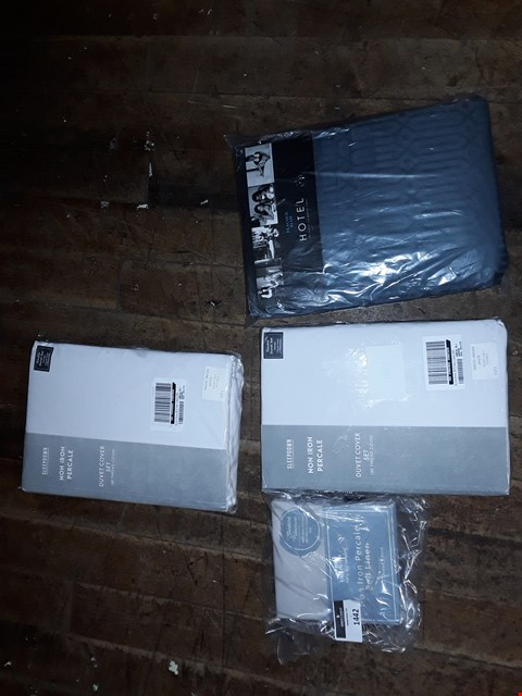Lot 1442 LOT OF 4 BRAND NEW ITEMS TO INCLUDE PGH RIVAGE DUVET COVER SET, NON IRON PERCALE BED LINEN, NON IRON PERCALE DUVET SET ETC RRP £164